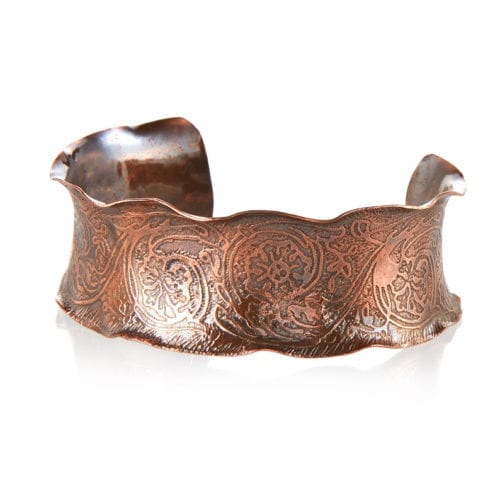 Eteched_copper_cuff_with_scalloped_edges